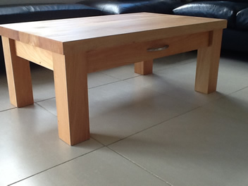 Coffee Table with Drawer_1