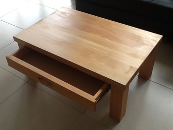 Coffee Table with Drawer_3