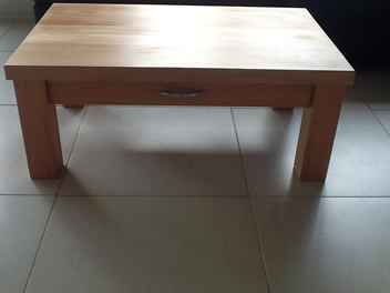 Coffee Table with Drawer_4