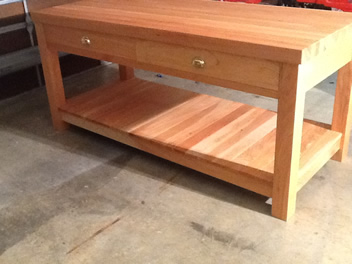 Kitchen Island with Drawers_1