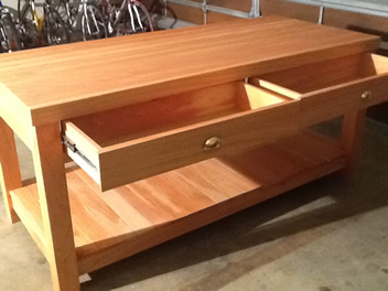 Kitchen Island with Drawers_2